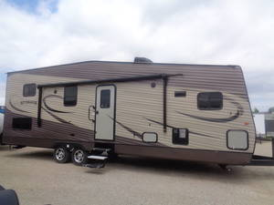 2018 Riverside Travel Trailers Dream 32LOFTRB