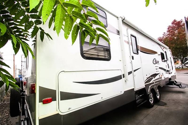 2013 Keystone Cougar Lite 34