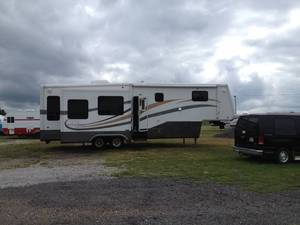2006 DRV Mobile Suites 33RS3