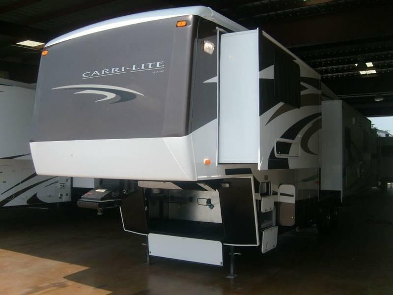 2009 Carriage Carri-Lite 36SBQ