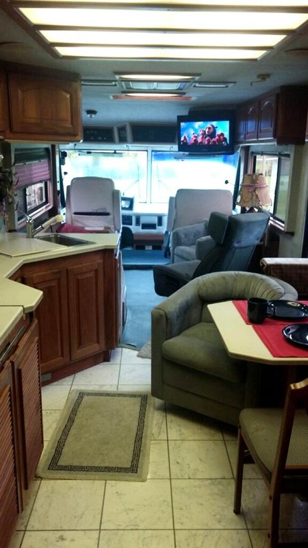 1992 Country Coach Affinity 325HP