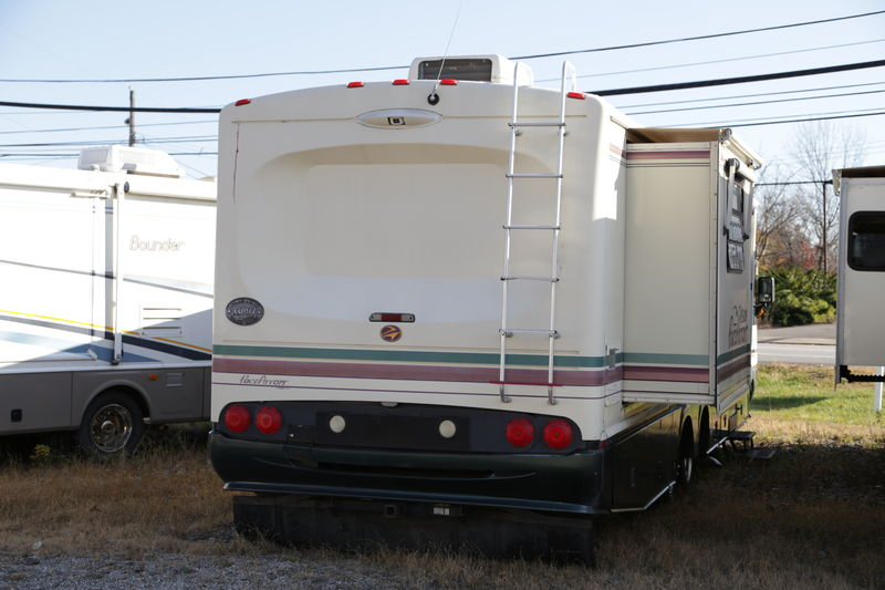 1997 Fleetwood Pace Arrow Vision Class A Gas Rv For