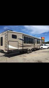2015 Forest River Sandpiper 376BHOK