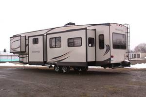 2016 Forest River Salem Hemisphere 368RLBHK