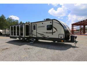 2016 Prime Time Lacrosse Luxury Lite 324RST
