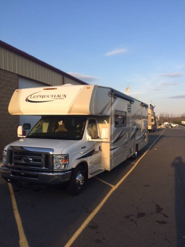 2015 Coachmen Leprechaun 317SA