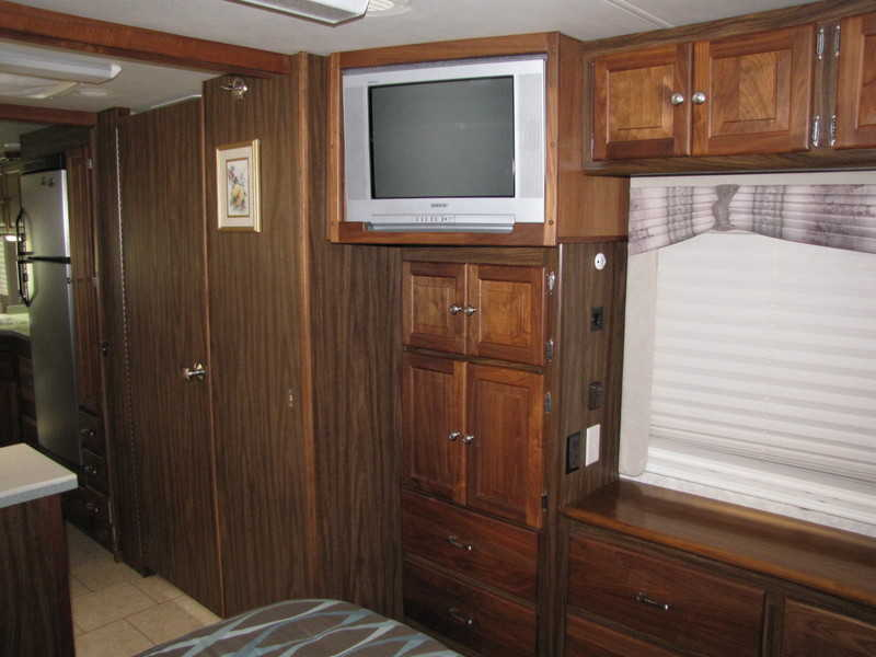 2004 Tiffin Allegro Bay 37DB
