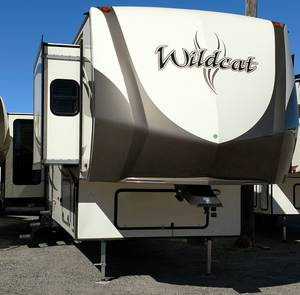 2017 Forest River Wildcat Widebody 37WB