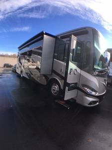 2017 Tiffin Phaeton 36GH