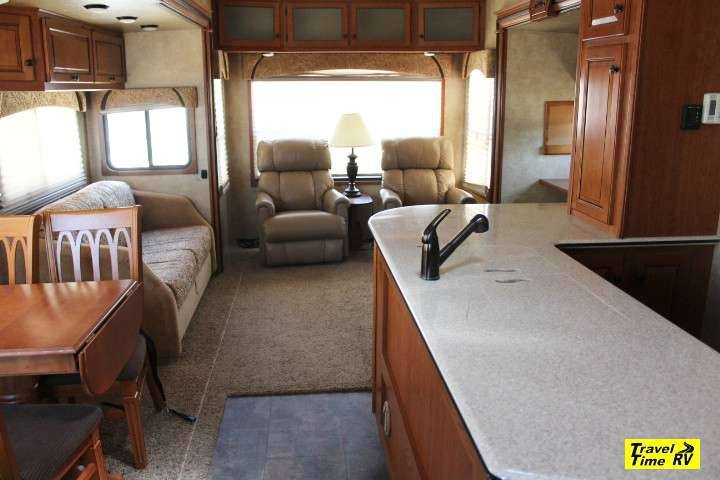 2011 Forest River Cardinal 3450RL