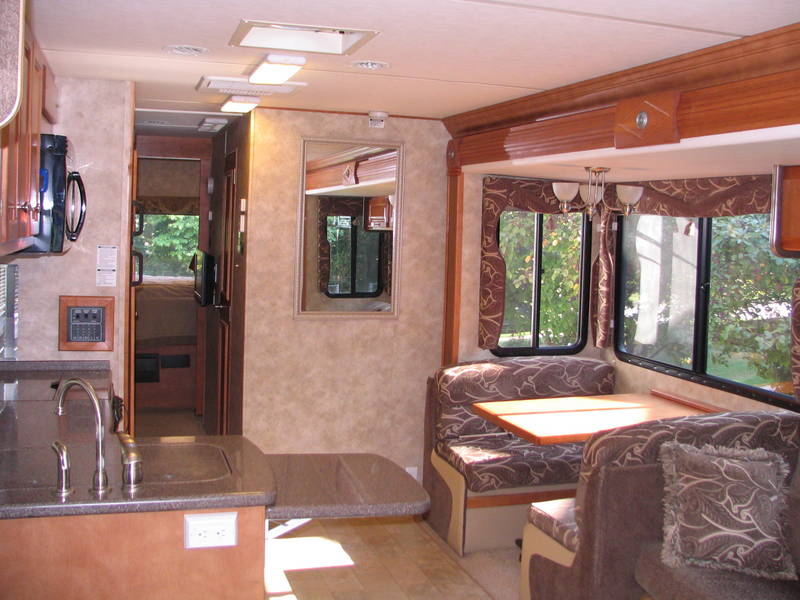 Wonderful 2008 Gulf Stream Yellowstone 8359 Class A  Gas RV For