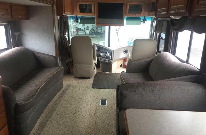 2005 Coachmen Cross Country 372DS