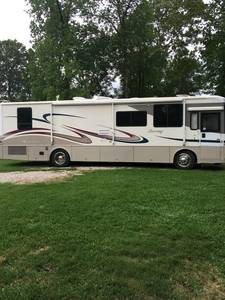 2003 Winnebago Journey 36L