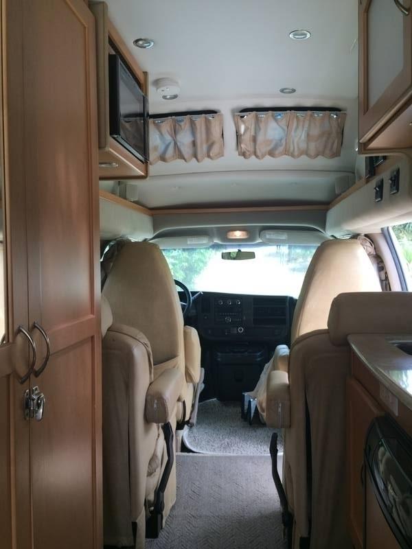 2010 Pleasure-Way Lexor TS-4