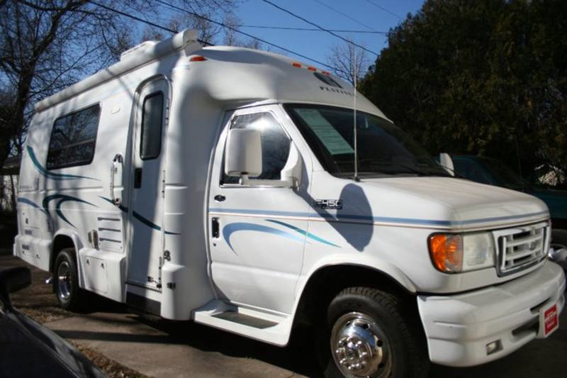 Simple 2006 Fleetwood Jamboree Class C Motorhome For Sale In Wichita Kansas