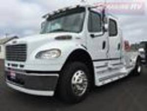 2013 Freightliner SportChassis M2 106 RHA 114