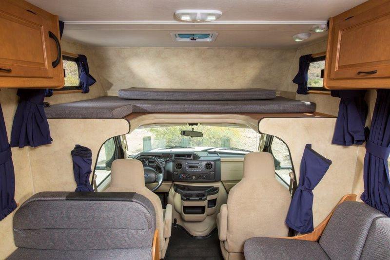 2013 Thor Motor Coach Majestic 28A