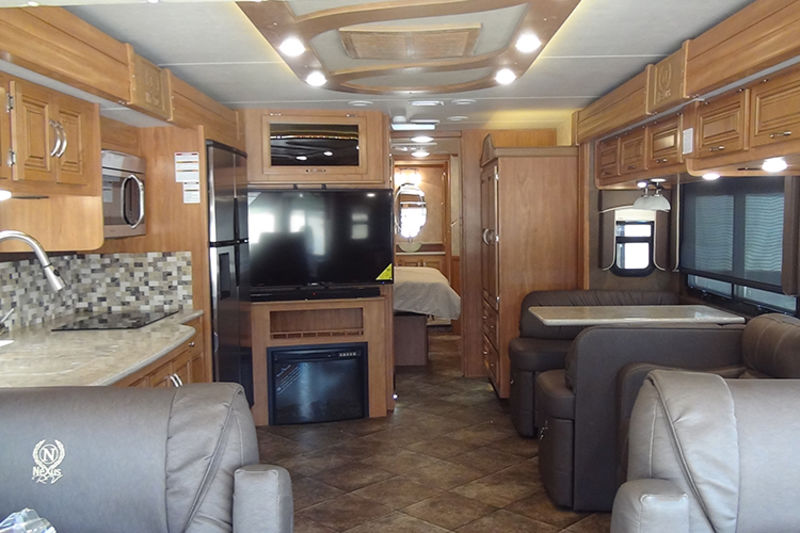 2018 NeXus RV Bentley 38B