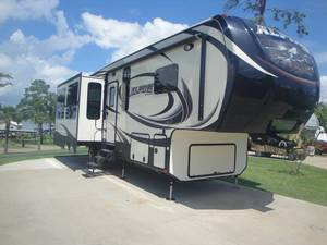 2014 Keystone Alpine 3010RE