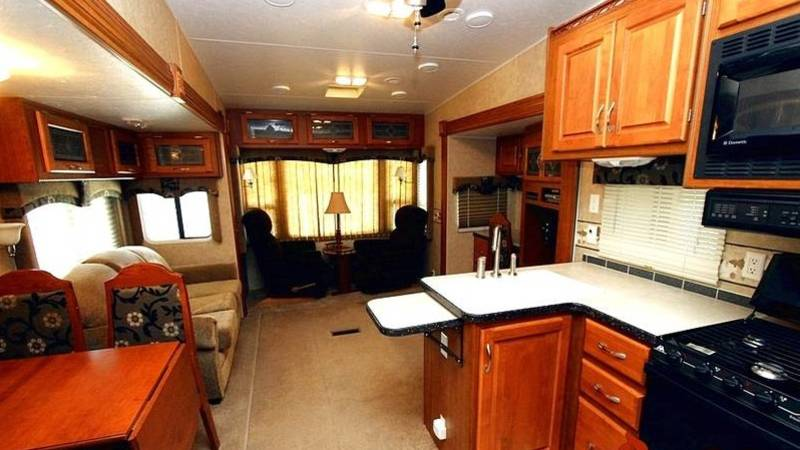 2006 McKenzie Lakota 33SKT ESTATE
