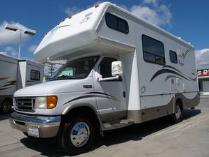 2004 Bigfoot RV 3000 24DB ONLY 40K MI.