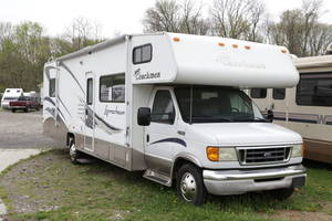 2005 Coachmen Leprechaun 317KS