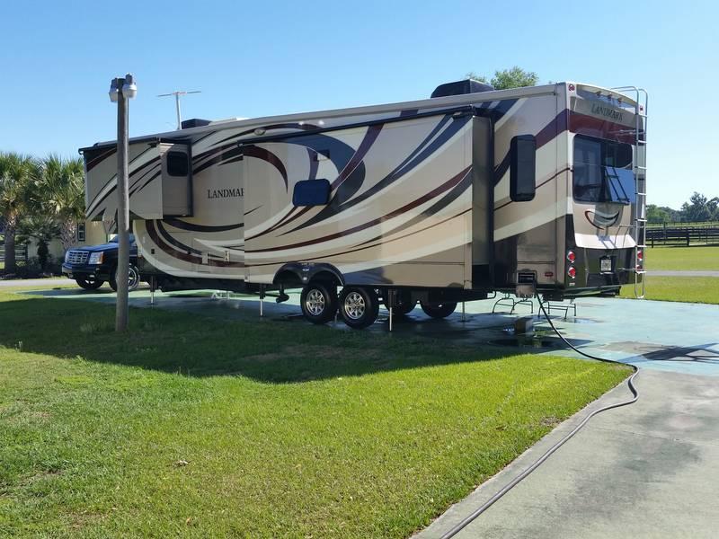 2014 Heartland Landmark Savannah