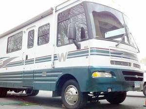 2000 Winnebago Chieftain 34Y