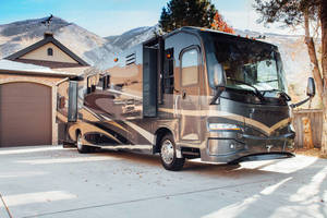 2009 Coachmen Pathfinder 405FK