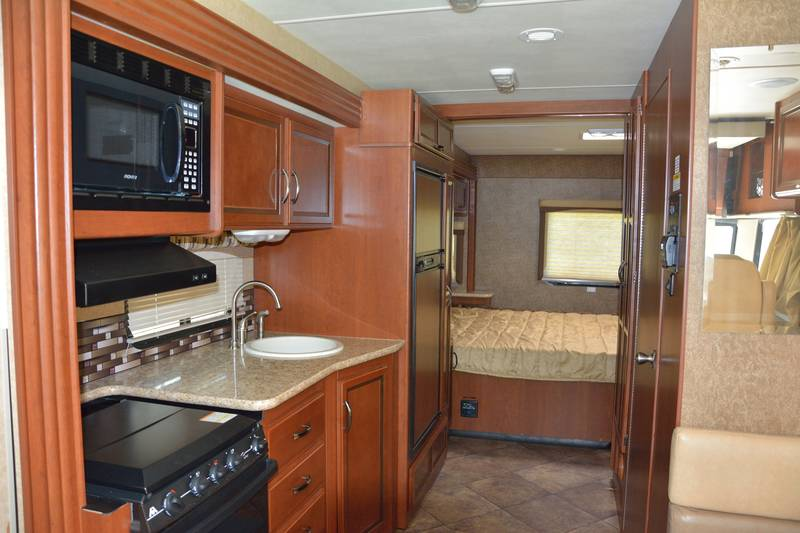 2014 Thor Motor Coach A C E 27 1 Class A Gas Rv For