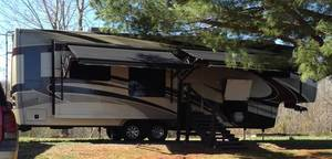 2013 Lifestyle Luxury RV  LS37CKSL