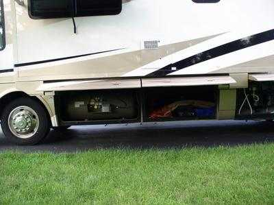 2003 National RV Tradewinds LE 374