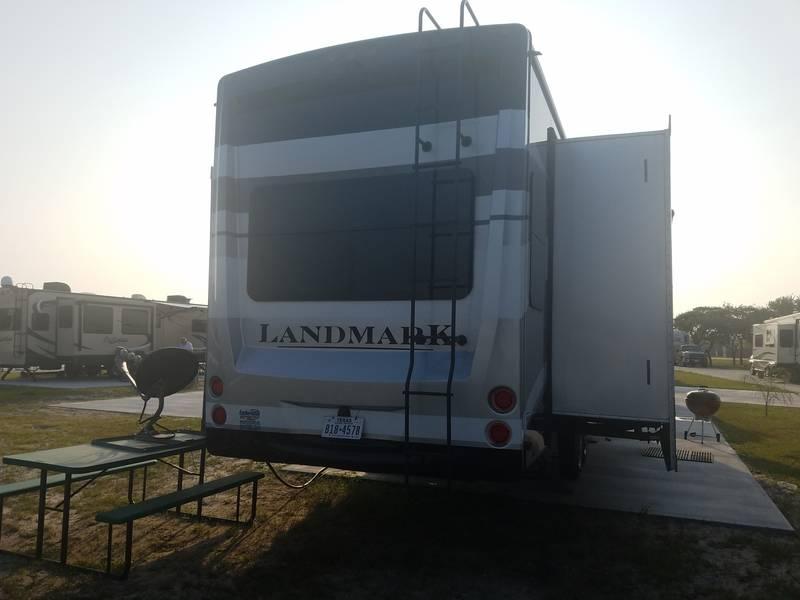 2016 Heartland Landmark 365 Charleston
