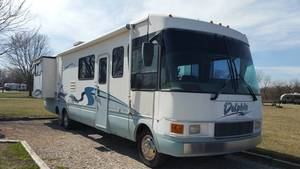2000 National RV Dolphin 5371