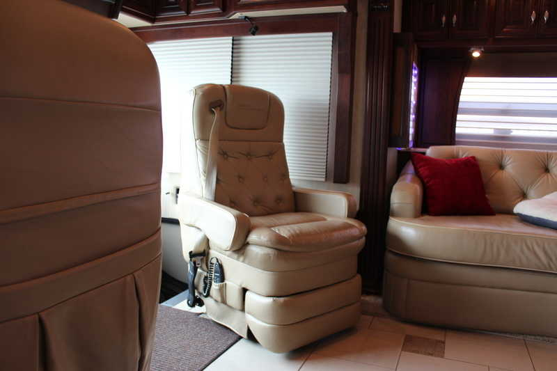 2010 American Coach American Heritage 45BT