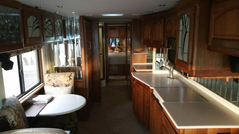 2000 Country Coach Magna blank