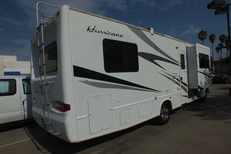 2006 Four Winds Hurricane 31D