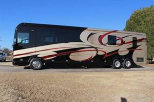 2014 Foretravel Motorcoach  ih45