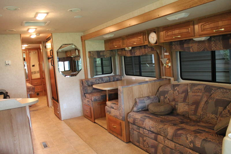 2005 Georgie Boy Landau 3525TS