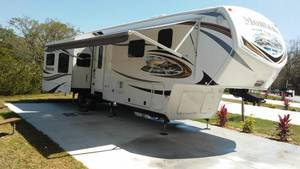 2013 Keystone Montana 3900 FB