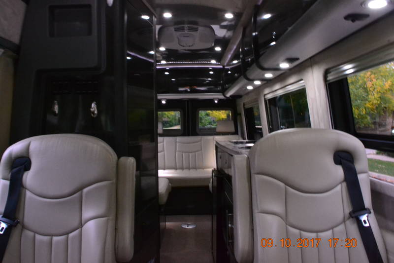 2013 Airstream Interstate EXT AIRSTREAM LOUNGE