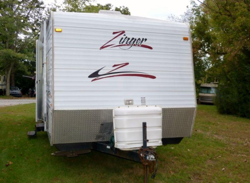 2005 CrossRoads Zinger 270BH
