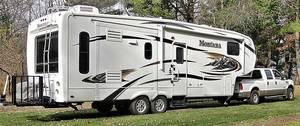 2010 Keystone Montana Hickory 3075RL