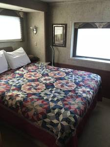 2006 National RV Dolphin 5355