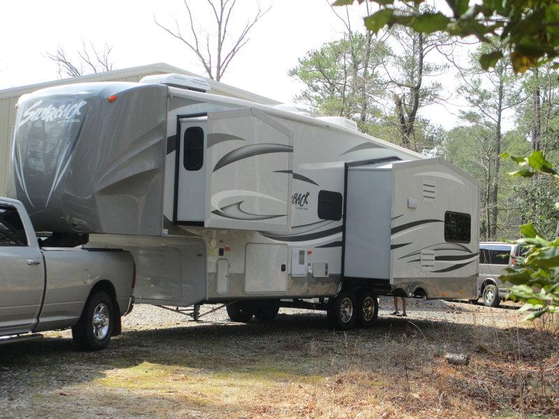 2013 Forest River Cedar Creek Silverback 29RE w/2012 Dodge Ram