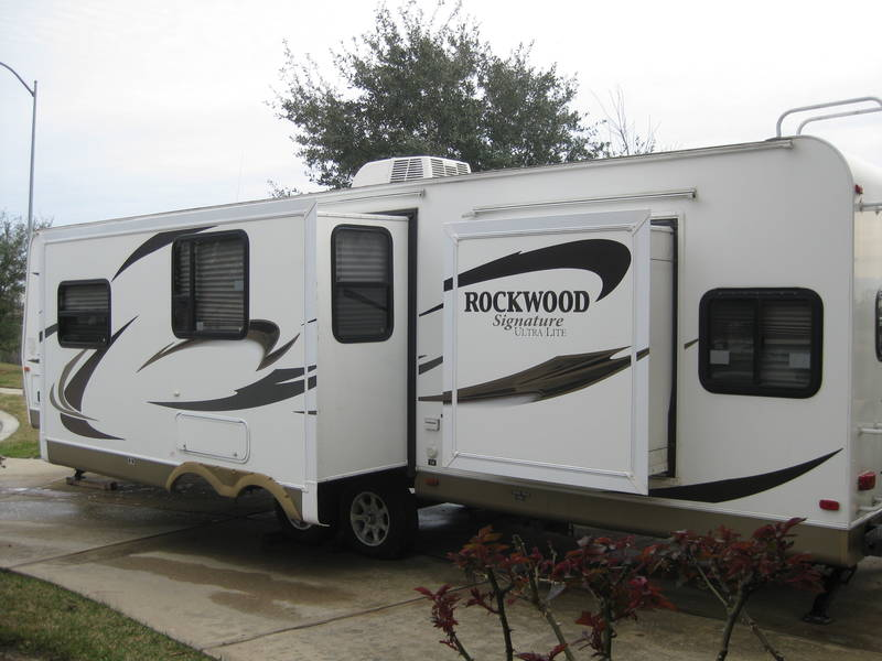 2012 Forest River Rockwood Signature Ultra Lite 8311SS