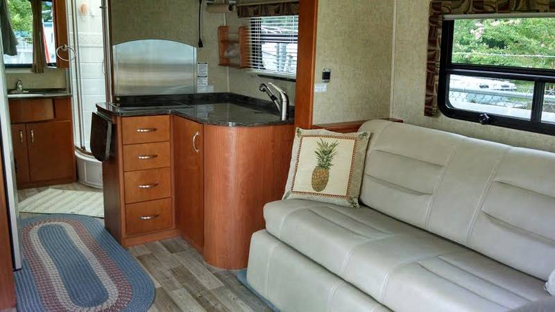 2013 Leisure Travel Unity factory modified mb