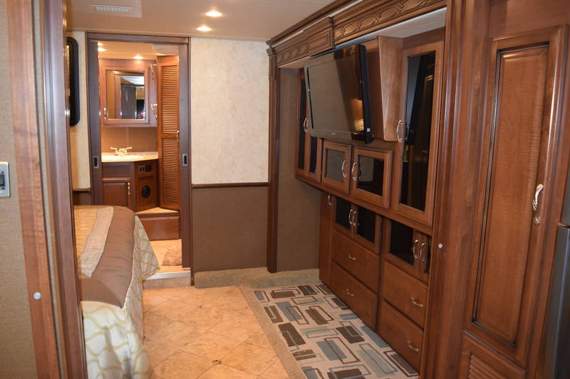 2012 Fleetwood Expedition 38S