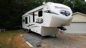 2013 Keystone Montana Mountaineer Hickory 362 RLQ