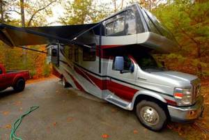 2010 Forest River Forester 3121DS